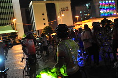brunei_bsb_bicyclers-after-completing-the-circuit-around-bandar-seri-begawan-to-promote-a-limited-carbon-footprint-lifestyle-02_nizamrahman_6886222766_o
