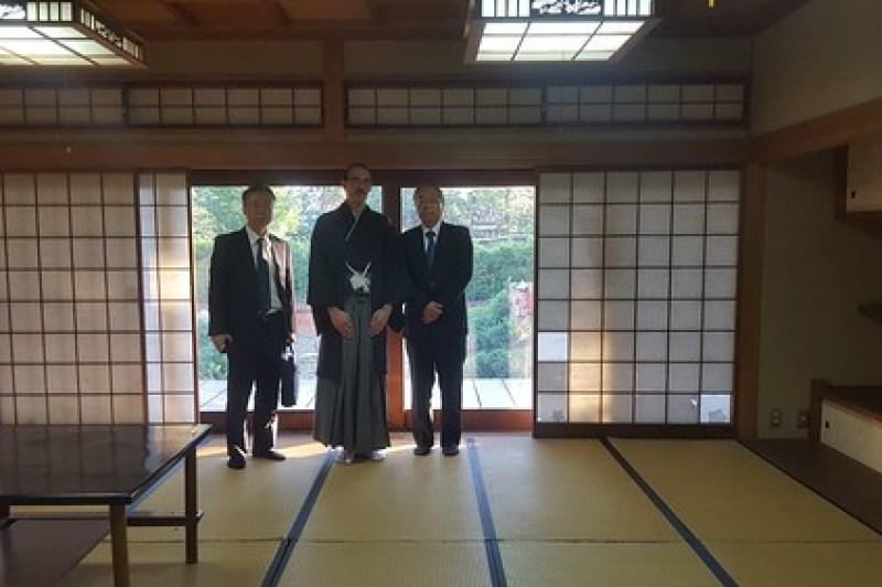 Visita al Centro Cultural Paraguayo-Japonés (sala de cha no yu) acompañado del excelentísimo sr. embajador Ishida Naohiro.