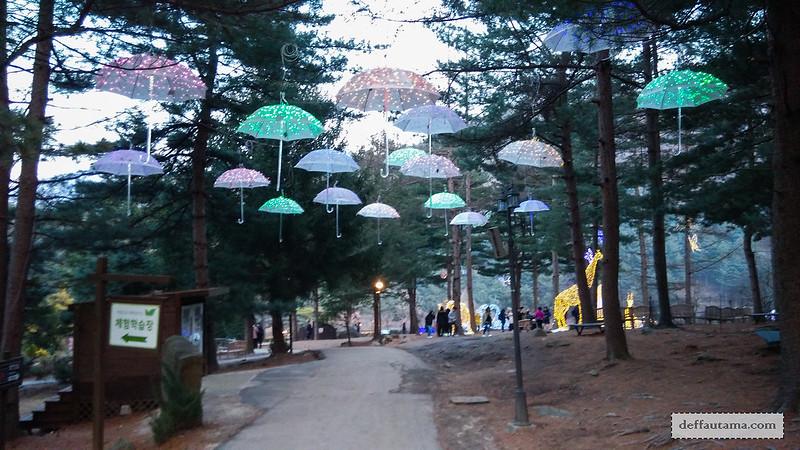 Garden of The Morning Calm - Morning Plaza