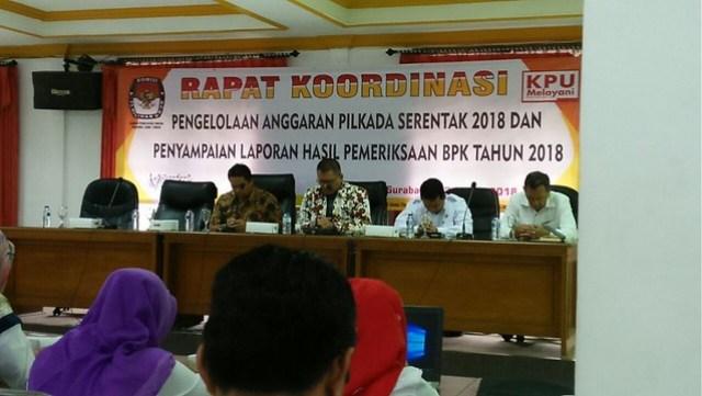 Rakor dibuka Ketua KPU Provonsi Jatim, Eko Sasmito SH MH dan berlangsung di Kantor KPU Provinsi Jatim, Selasa (13/3)