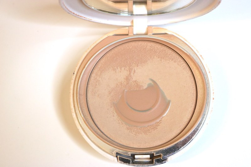 IT Cosmetics foundation pan
