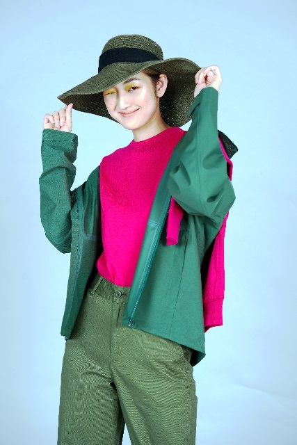 SM Supermalls Combine fashion trends with an oversized jacket, safari-inspired fashion and vibrant colors