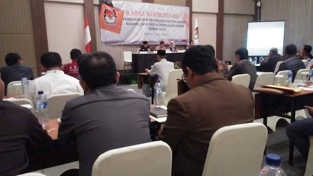 Suasana Rakor persiapan dan pelaksanaan pengadaan barang ataupun jasa Pemilu 2019 di Pasuruan (12/11)