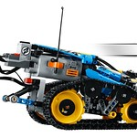 LEGO Technic 42095 Remote Controlled Stunt Racer 5