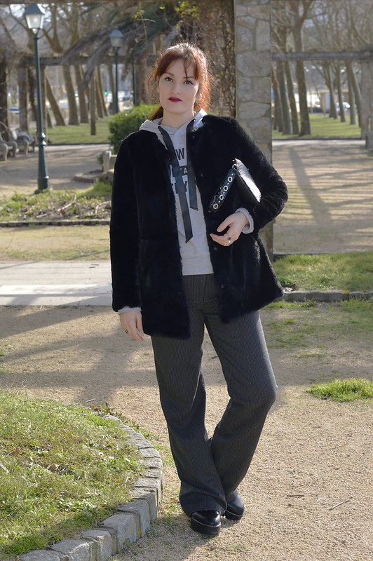 Outfit in Gray & Black (1)