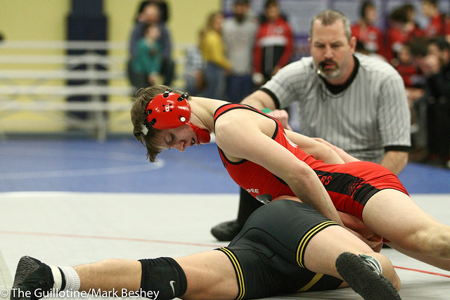 132 - Tyler Jones (Shakopee) over Ryan Cole (Bettendorf) TF 16-0 - 180104amkamk0016