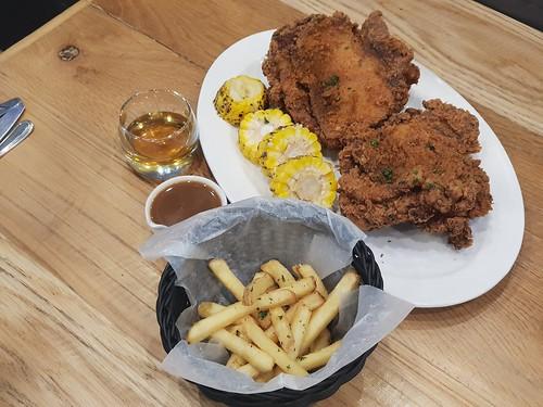 Gelatofix Lifestyle Cafe Chicken and Waffles 1
