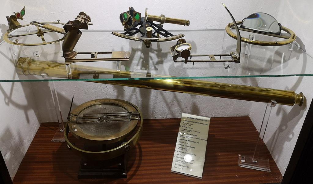 Sevilla sextante Catalejo Alidada Cuadrante instrumentos nauticos Museo Naval Torre del Oro 15