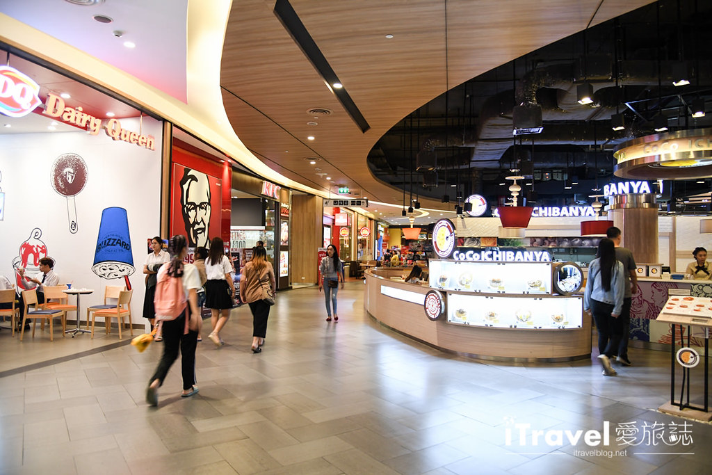 MAYA Lifestyle Shopping Center (14)