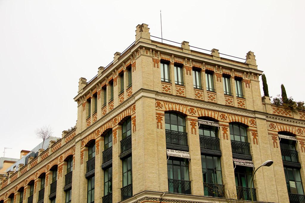 edificio exterior La Casa Encendida centro cultural Madrid 02