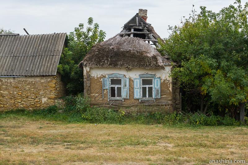 Старый саманный дом в Пыховке, Воронежская область