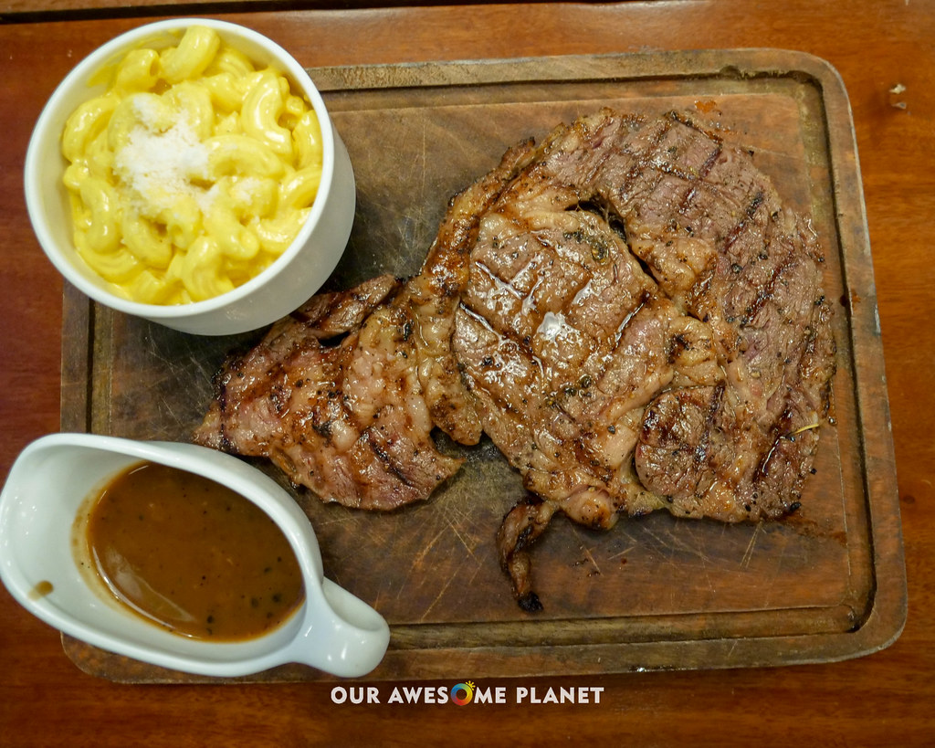 Johnny's Steakhouse-14.jpg