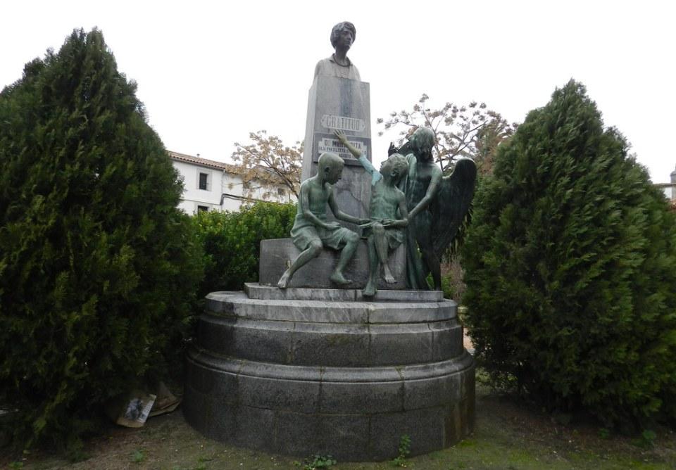 Monumento a Doña Margarita de Iturralde y Arteaga Trujillo Caceres