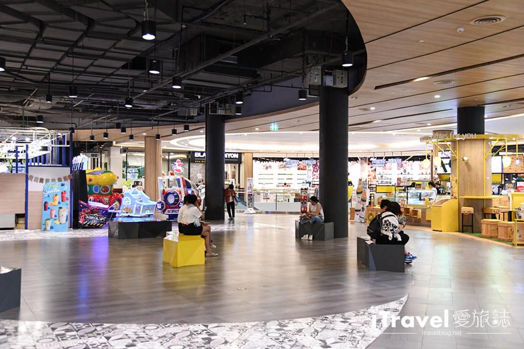 MAYA Lifestyle Shopping Center (18)