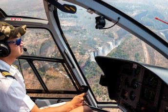 ......hopelijk is er dan meer water en hebben we een wat minder verveelde piloot.