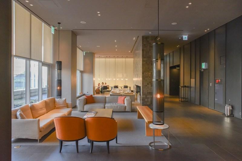 lobby of shilla stay gwanghwamun