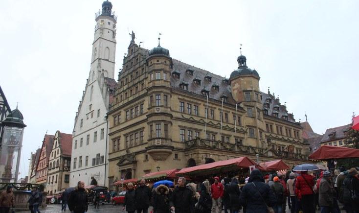 The town hall seen from Marktplatz