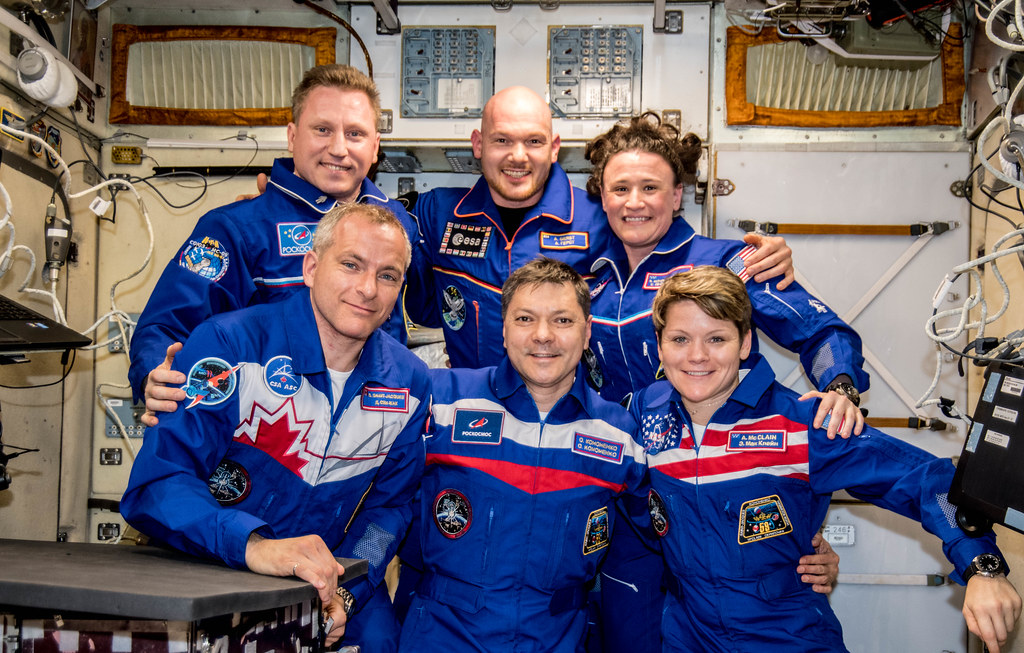 Expedition 57 full crew