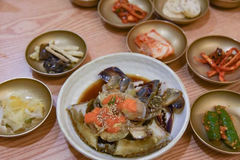 marinated raw crab at keunkiwajip