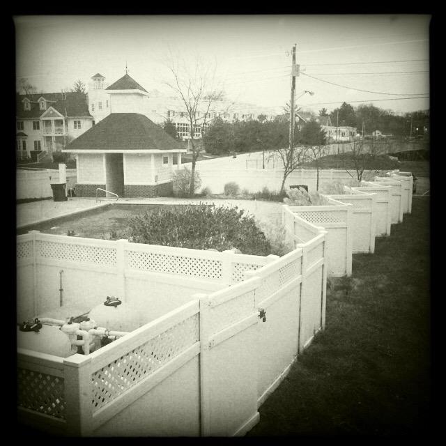 Wavy fence