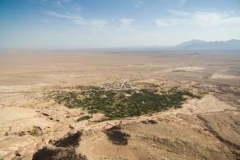 Een dag later reden we naar Garmeh, een echte oasis in de woestijn zoals je vanuit de lucht goed kunt zien.