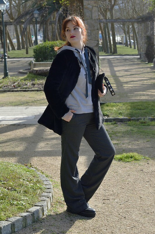 Outfit in Gray & Black (3)