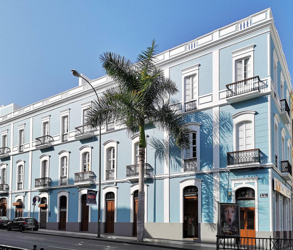 Fachada calle Bravo Murillo esquina a Perojo Las Palmas de Gran Canaria