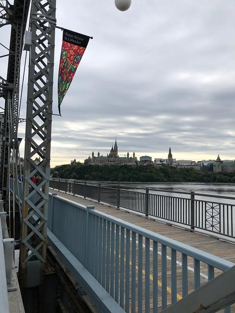 Ottawa - Army Run on the bridge