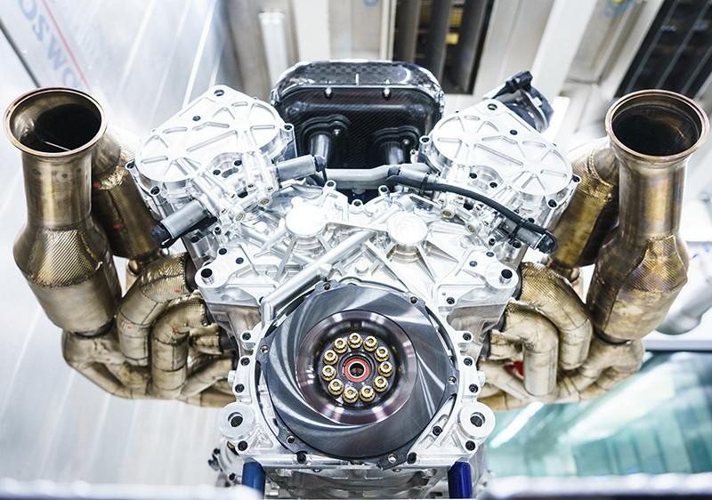 66fc87d0-aston-martin-valkyrie-v12-engine-2