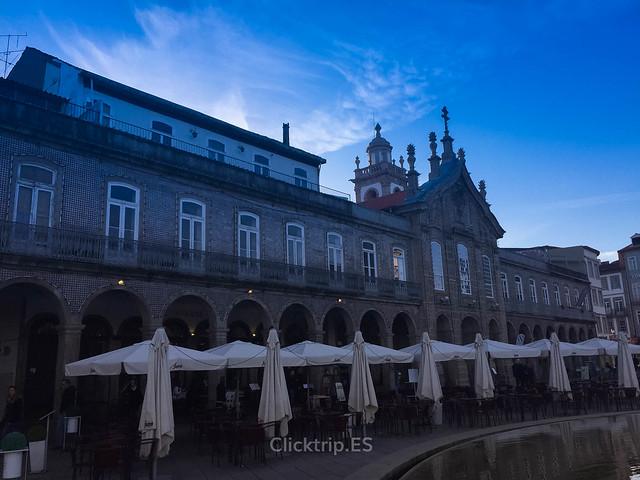 · Seguro que pasas por la Plaza de la República en tu viaje de un día a Braga · Qué ver en Braga en un día ·