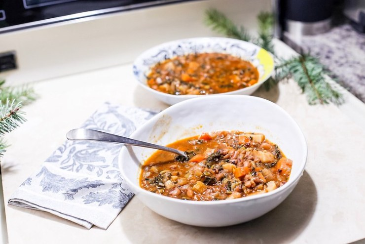 Instant Pot Black-Eyed Pea Soup