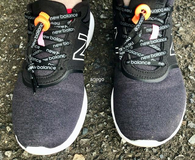 ニューバランスと靴ロック