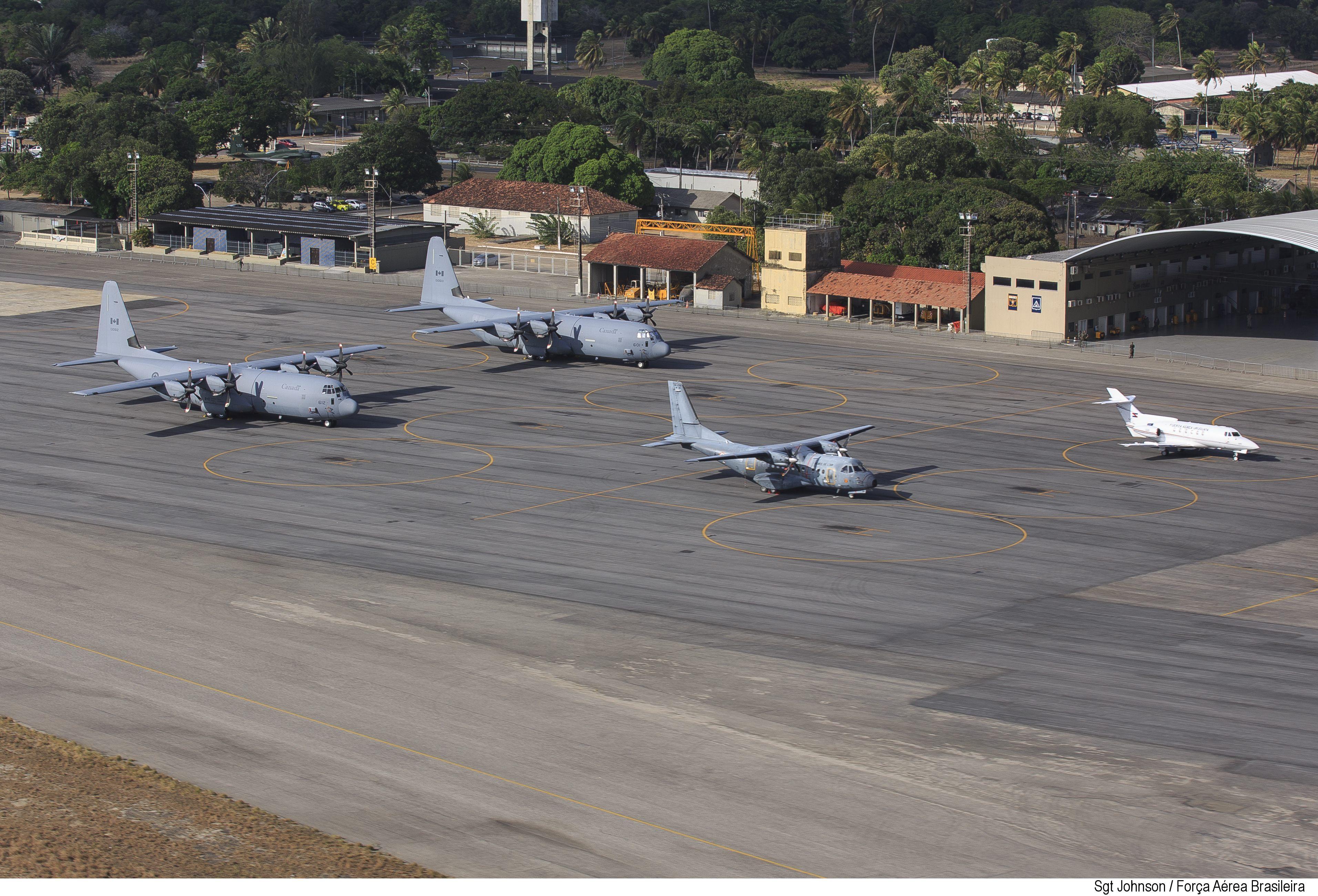 CC-130J e CN-235 (Canadá e França) - CRUZEX 2018