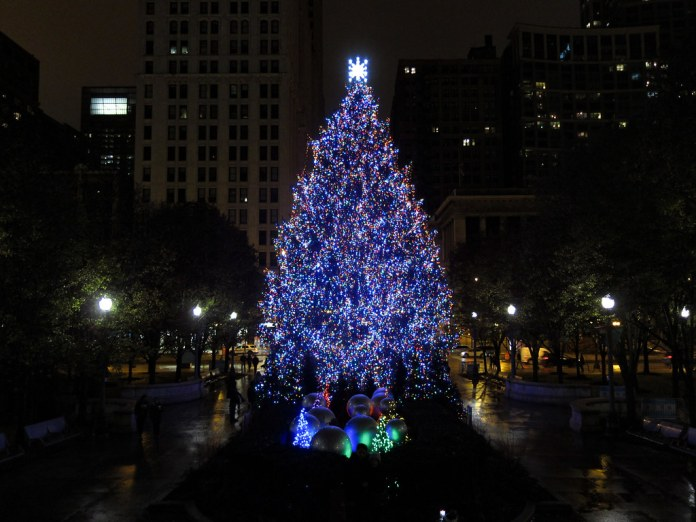 Christmas tree in Millennium Park, Chicago
