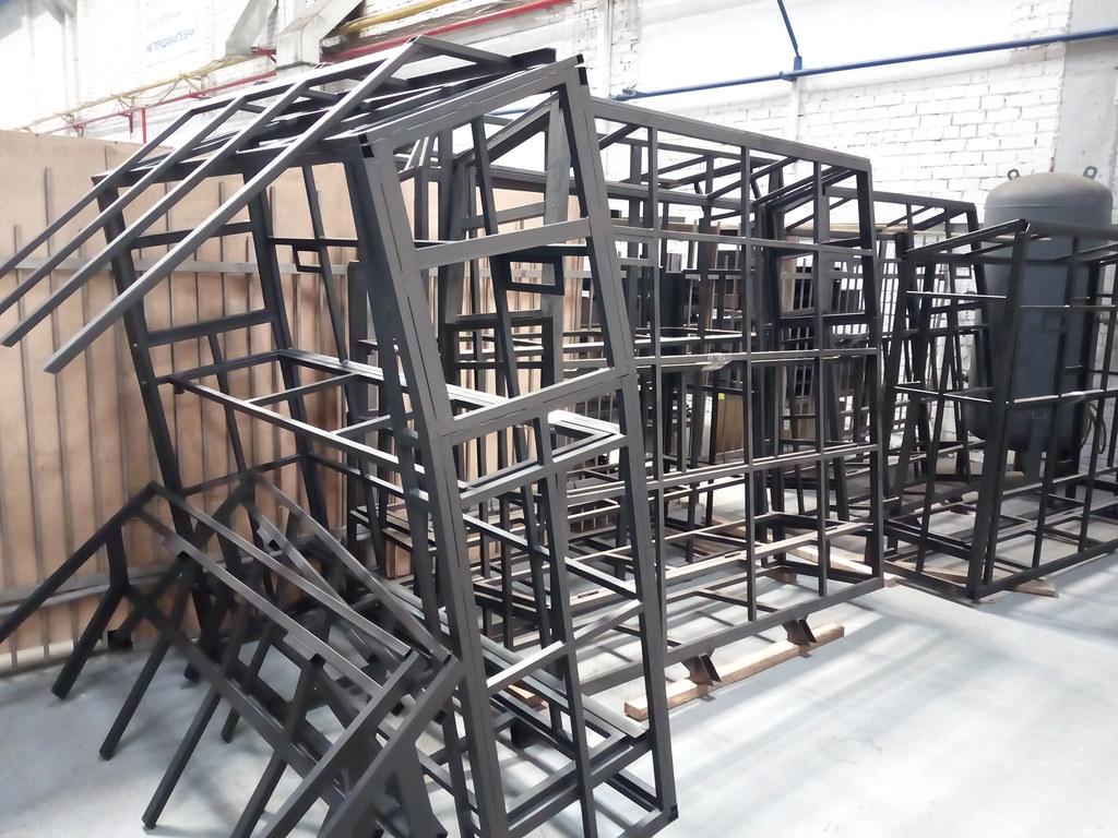 Боковины каркаса спальника «Чайка-Сервис» связаны рёбрами жёсткости, придающими конструкции прочность
