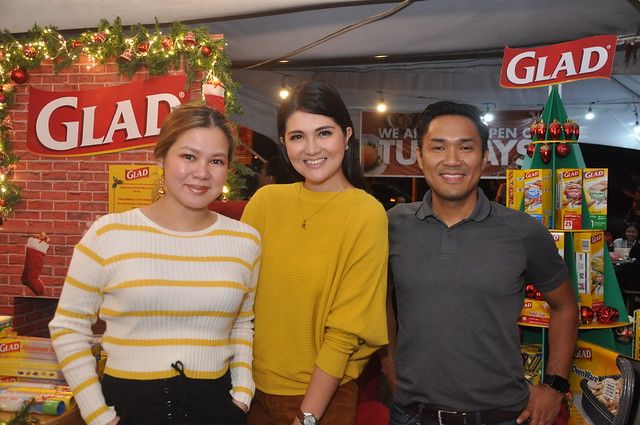 Glad Brand Manager Daye delos Reyes, Dimples Romana, and Clorox International Sales & Marketing Manager for Southeast Asia Paulo Lao