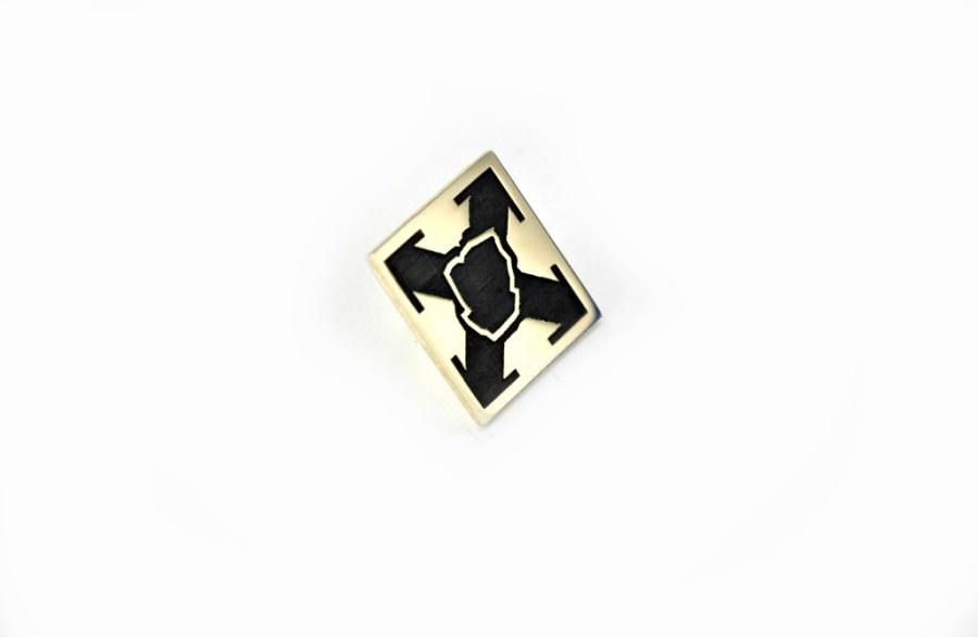 pins firmowy ze złota trzeciej próby