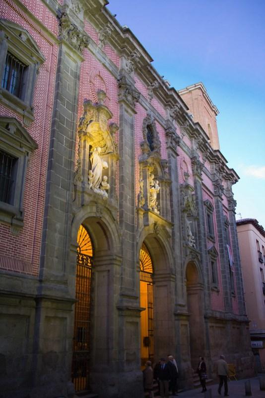 exterior Iglesia de San Millan y San Cayetano Madrid