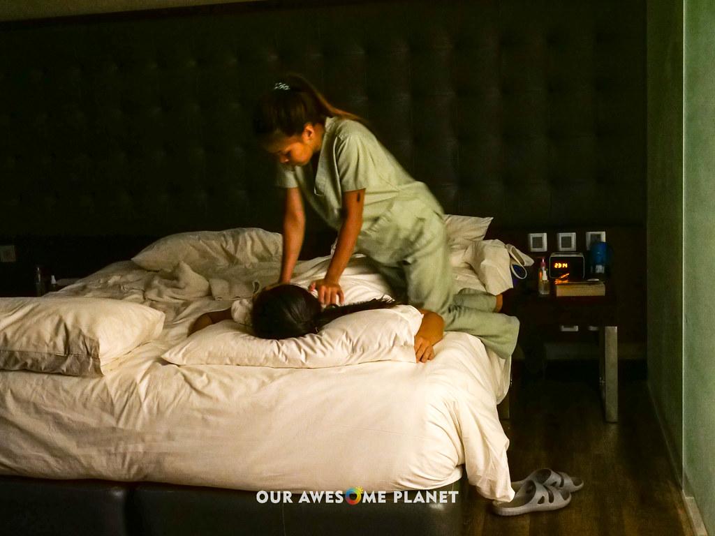 B Hotel Massaage-1.jpg