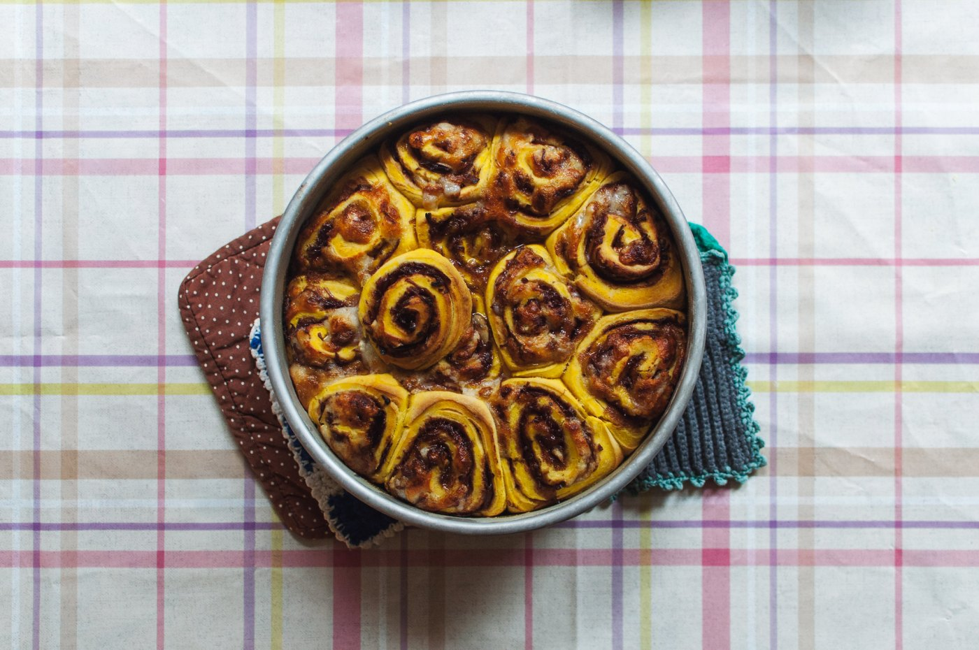 pumpkin red wine shallot rolls with goat cheese