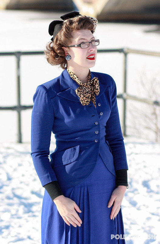 Blue suit with 1940s leopard hat
