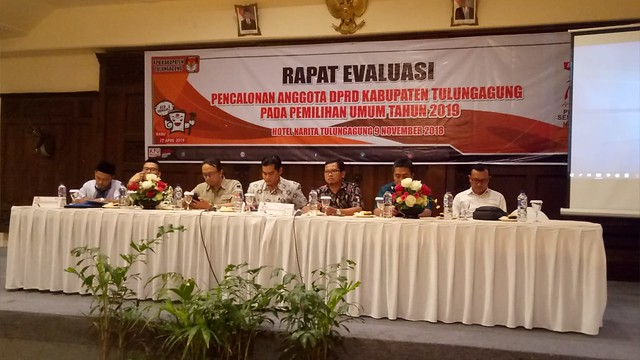 Suasana Rapat Evaluasi Pencalonan Anggota DPRD Kabupaten Tulungagung di Hotel Narita Tulungagung (9/11)