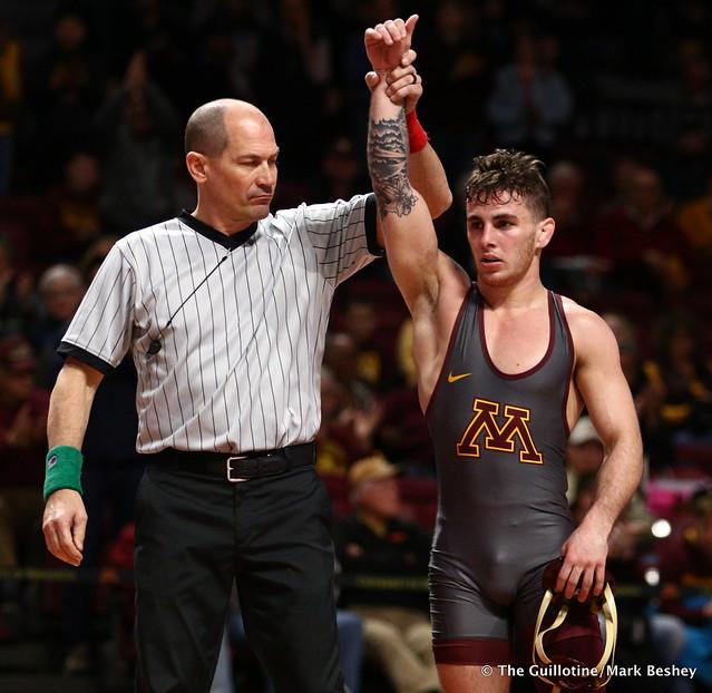 125 #6 Sean Russell (Minnesota) maj. dec. #19 Devin Schroder (Purdue) 9-0. 190203AMK0142