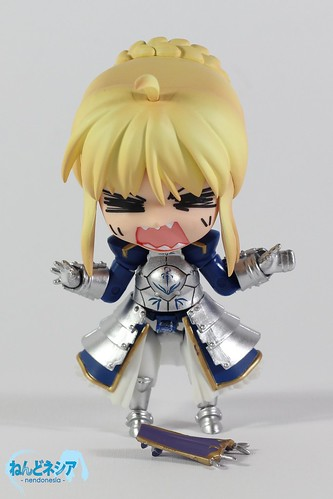 Saber's front skirt cover is broken