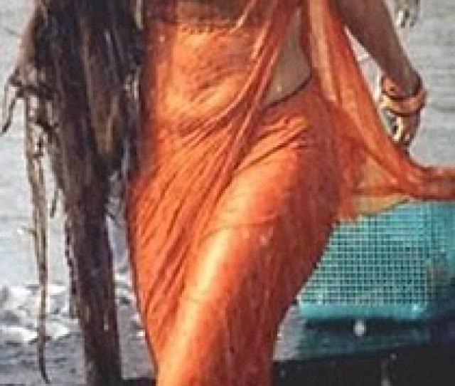Urmila Matondkar Wet Saree