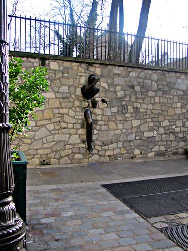 Paris: Le passe muraille