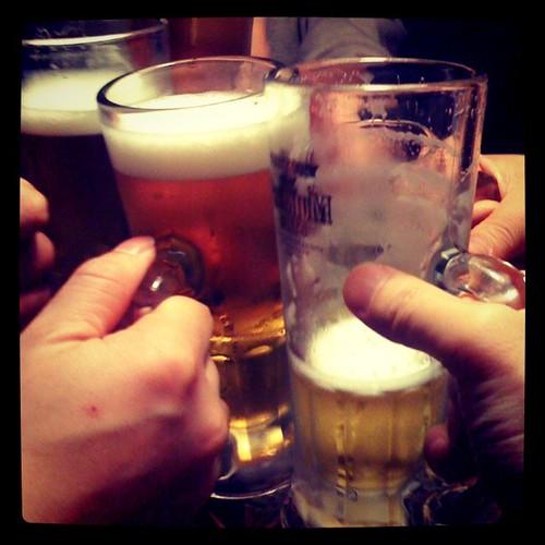 人が増えるたびに乾杯