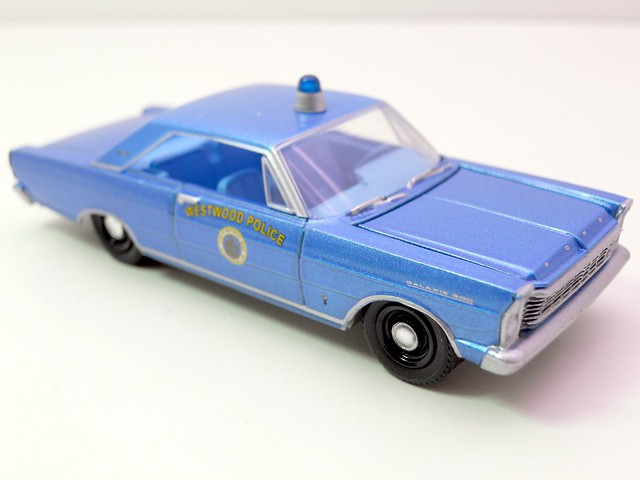 greenlight hot pursuit 1965 ford galaxie westwood police (2)