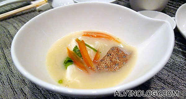 海鲜~ 果皮鱼汤银丝浸红鱼