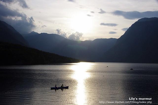 Bohinj湖送上美麗的黃昏湖景做為再會禮,好不想離開。